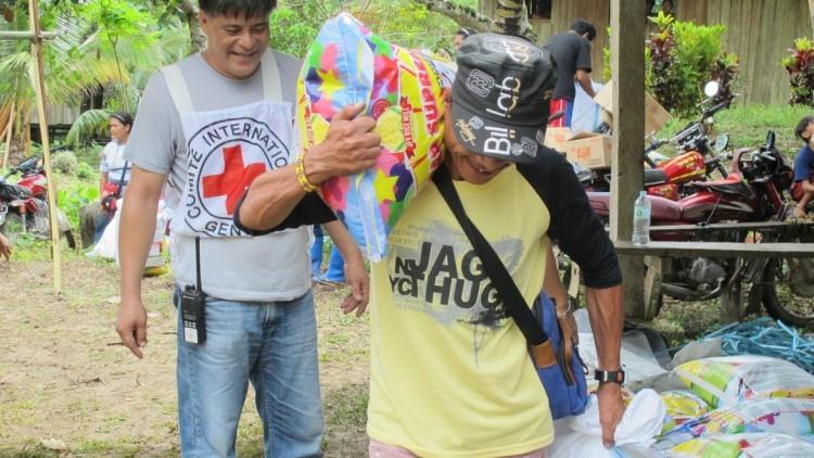 Filipinas: apoyo a familias desplazadas en Surigao del Sur