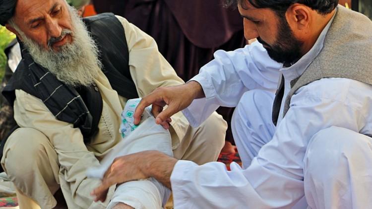 Afeganistão: primeiros socorros para taxistas salva vidas