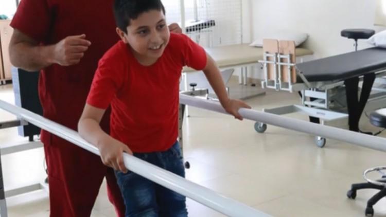 Ahmad, 10 ans, réfugié et handicapé