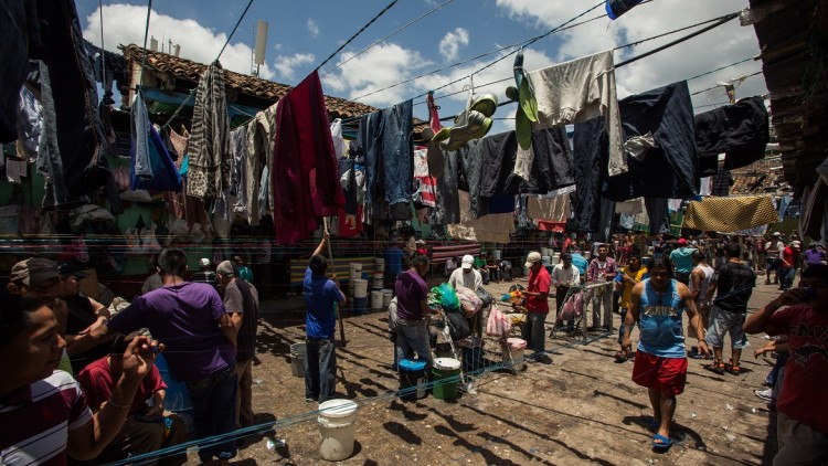 Panamá: potencial para responder al hacinamiento y otras problemáticas humanitarias en sistemas penitenciarios de América Latina