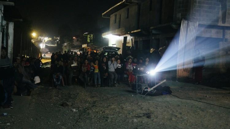 Guatemala: Festival de Cine en la Calle dio voz a los familiares de las personas desaparecidas