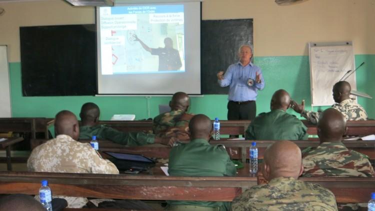 Guinée : formation organisée par le CICR à l'intention des instructeurs de la gendarmerie nationale
