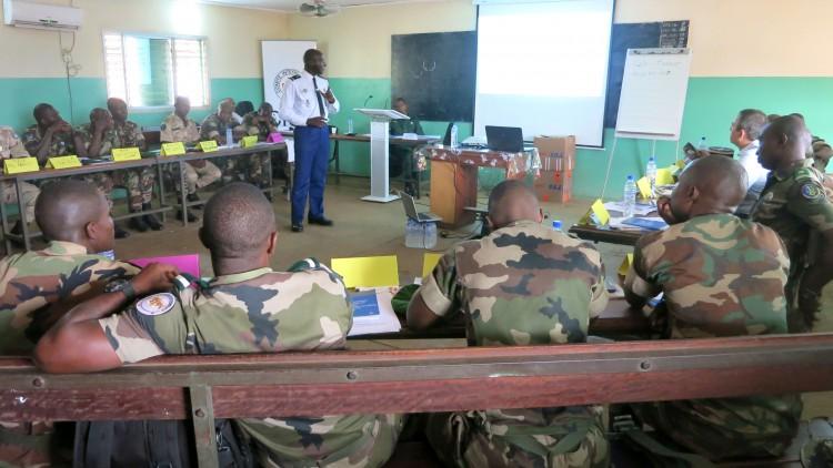 Des instructeurs de l'École de gendarmerie formés au respect des droits humains