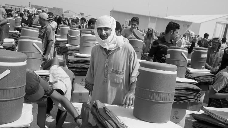 En Irak, continúa la distribución de socorros ante nuevos desplazamientos