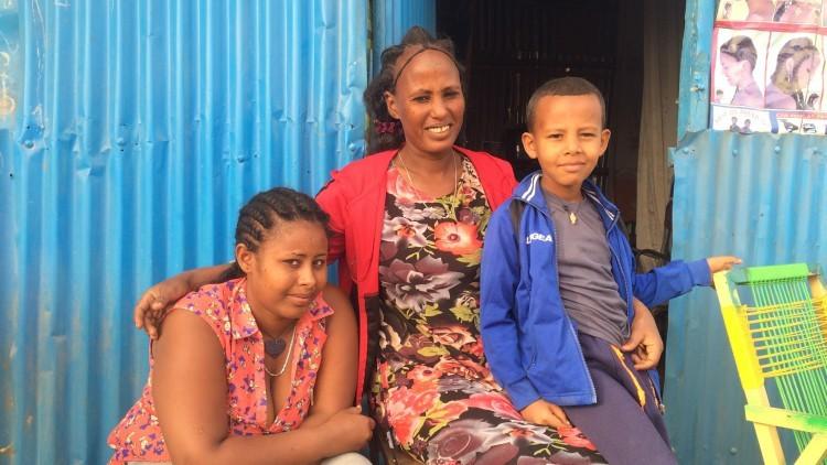 Eritrea / Etiopía: madre e hija se reencuentran tras 18 años de separación
