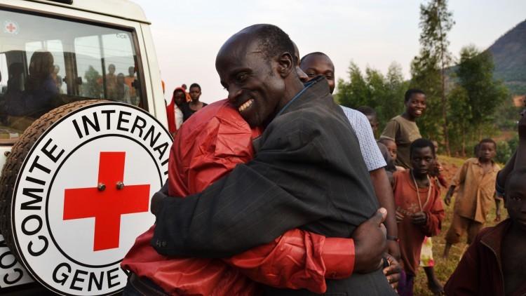 Refugiados burundeses restablecen el contacto con sus familiares