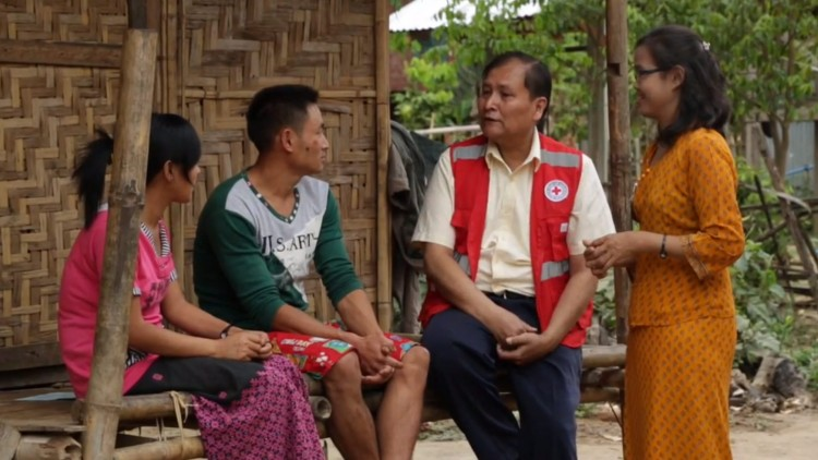 Red Cross help for displaced people in Myanmar