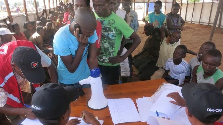 Ruanda/ Burundi: telefonemas grátis ajudam refugiados a se manterem em contato