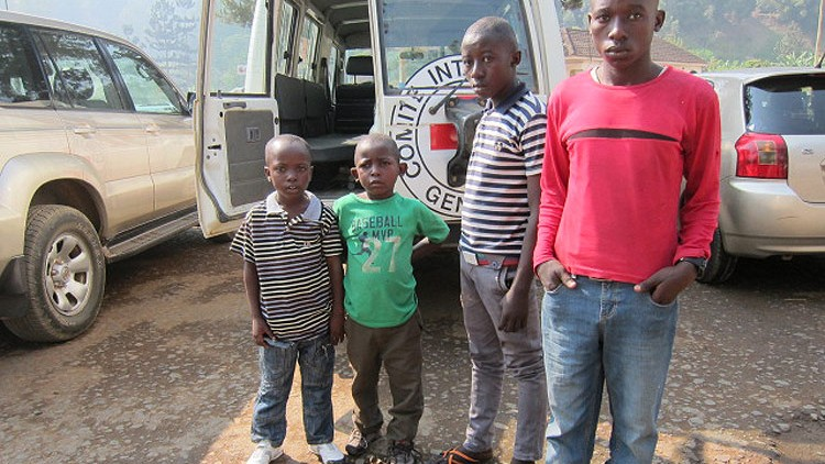 Ruanda: CICV reúne 11 crianças com as famílias