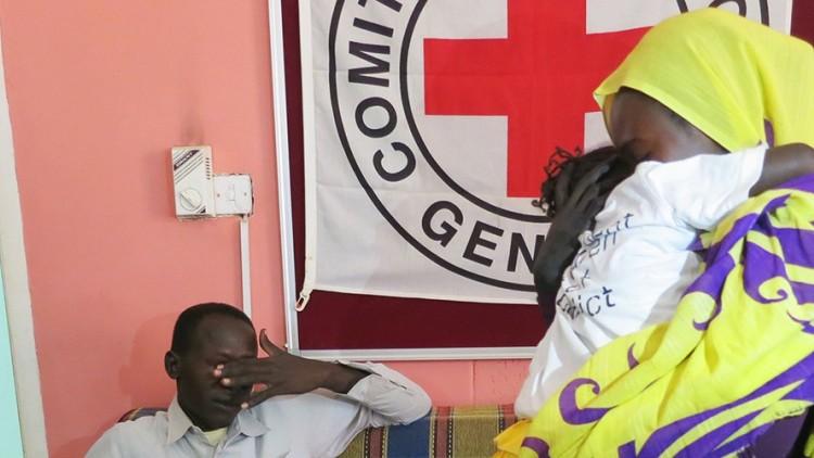 Sudão do Sul / Sudão: Leila, de cinco anos, volta para a casa
