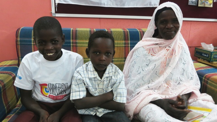 Sudão do Sul/ Sudão: Família separada reúne-se através das fronteiras