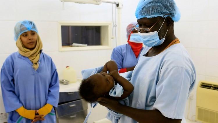 Sudán: tratamiento para niños con pie zambo