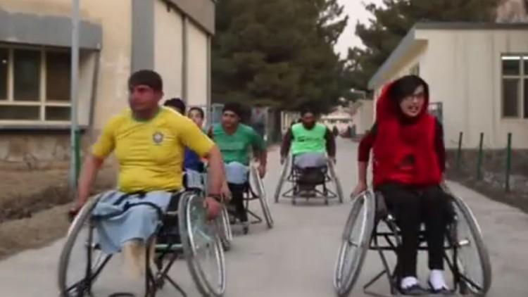 لاعبو كرة السلة على الكراسي المتحركة في أفغانستان يشاركون في مباراة العمر
