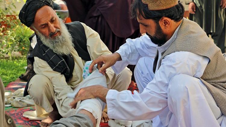 阿富汗:出租车司机接受的急救培训能够挽救生命