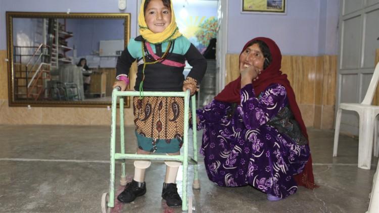 أفغانستان: الحاجة إلى التزام حقيقي من الأطراف المتحاربة بتقليل معاناة المدنيين