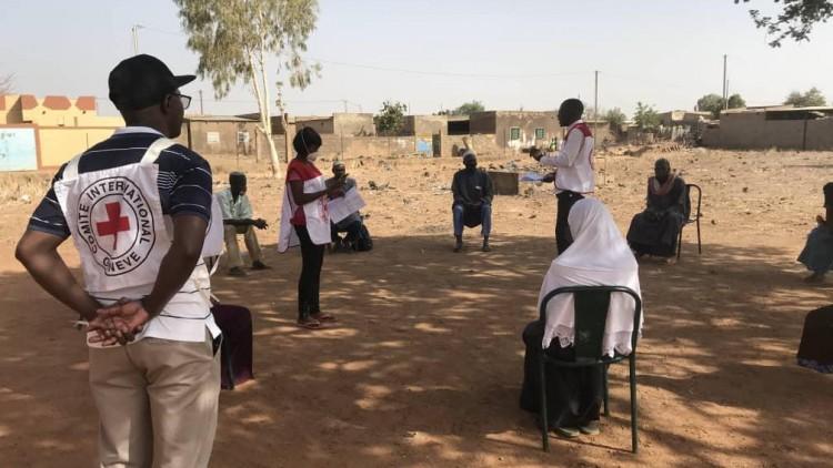 COVID-19: чтобы отвести угрозу от людей в зонах конфликтов, требуются срочные меры