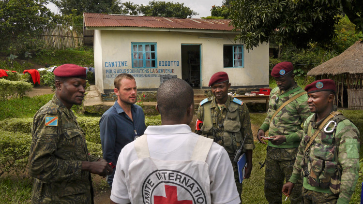 Les relations du CICR avec les forces armées