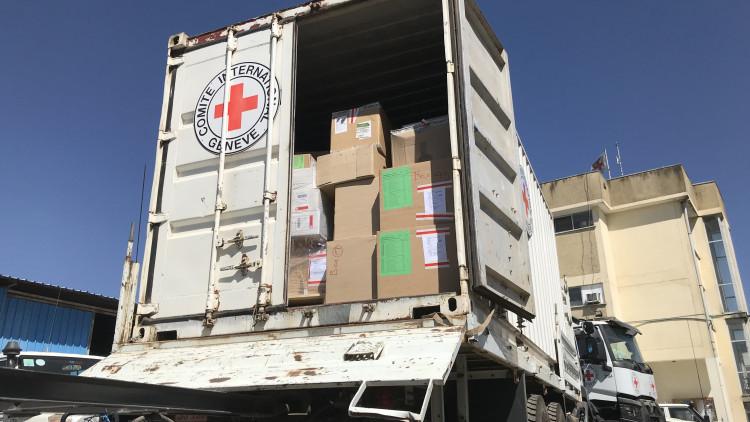 埃塞俄比亚:红十字向默克莱提供药品和救济物资,援助瘫痪的医疗机构