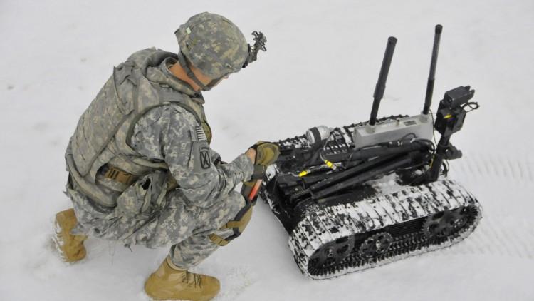 Los desafíos de las nuevas tecnologías en la guerra (en inglés)