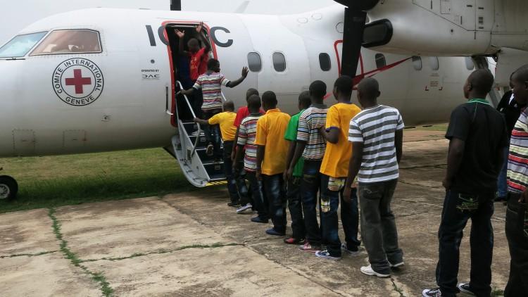 جمهورية الكونغو الديمقراطية: جمع شمل 152 طفلاً من الأطفال المجنَّدين بأقاربهم بعد تسريحهم