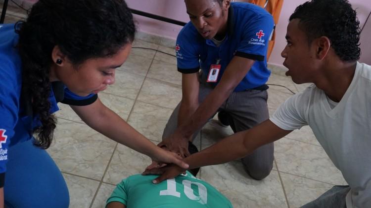 Ecuador: aprender primeros auxilios para salvar vidas