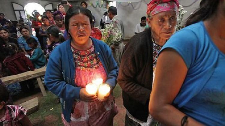 Guatemala: familias inhuman restos de sus seres queridos después de 31 años de búsqueda