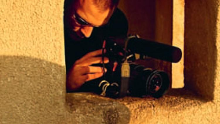 LINHA DIRETA: Assistência aos Jornalistas em Missões Perigosas
