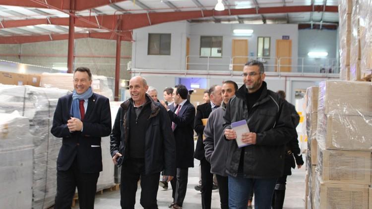 企业支持团在约旦走访叙利亚难民