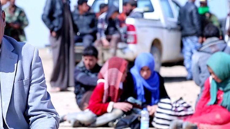 Los iraquíes se enfrentan a las minas al huir de los combates