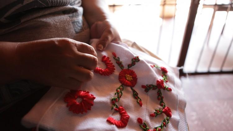 Paraguay: el trabajo artesanal cambia la vida a mujeres privadas de libertad