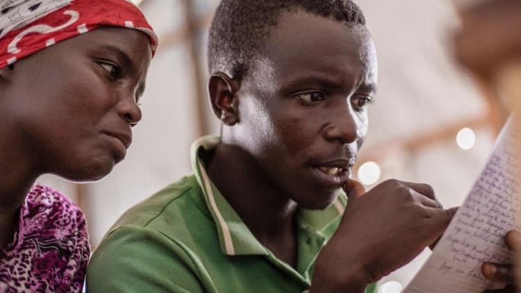 Rep. Dem. do Congo: estabelecimento de contato entre refugiados do Burundi e familiares