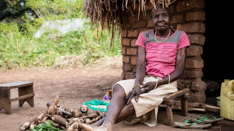 Obrigados a fugir ou deixados para trás: as dificuldades para sobreviver em Yambio, Sudão do Sul