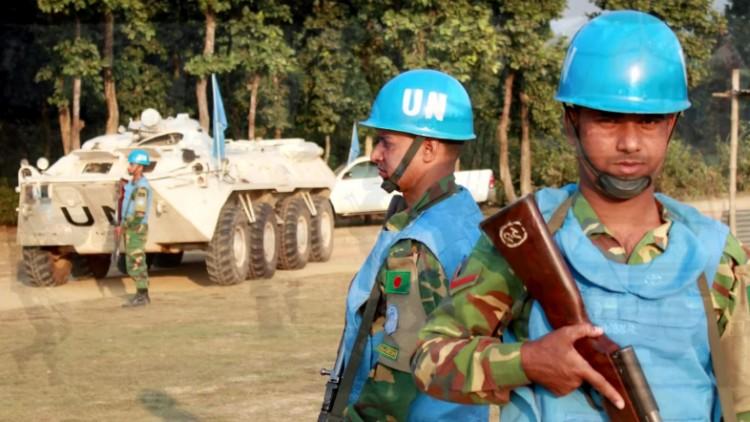 Должны ли миротворцы соблюдать нормы права войны, если ООН не подписывала Женевские конвенции?
