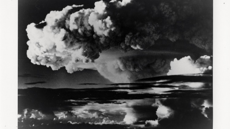 Nuclear Weapons: Averting a global catastrophe