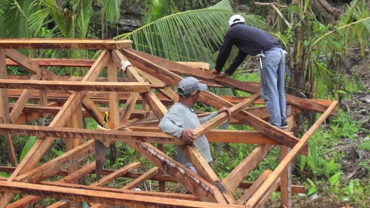Filipinas: reconstruir refugios resistentes a ciclones en zonas afectadas por Haiyán
