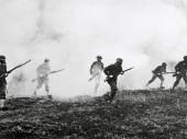 Première guerre mondiale. Des soldats au combat, durant une attaque aux gaz. CC BY-NC-ND / CICR