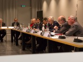 企业支持团成员参加年度全体大会。