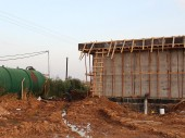 Mukifta pumping station, North Badia. Work in progress on a 200,000-litre storage tank. CC BY-NC-ND/ICRC/H. Shamlawi
