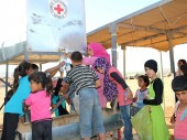 Jordan. ICRC provides drinking water to Syrian refugees in Hadalat transit facility on the north-eastern border.