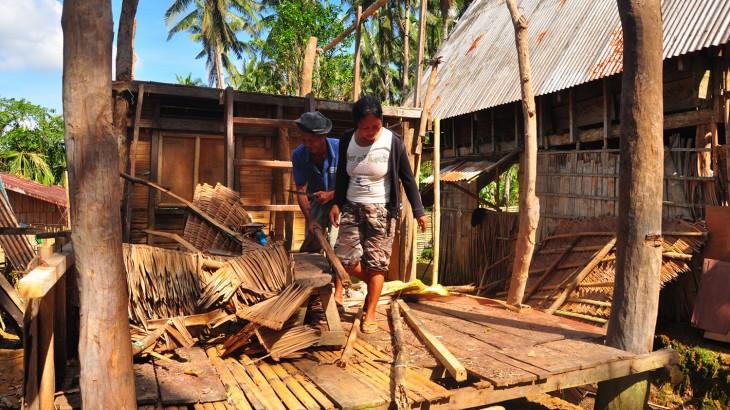El tifón Hagupit asesta un doble golpe a las comunidades que aún luchan para recuperarse del Haiyan