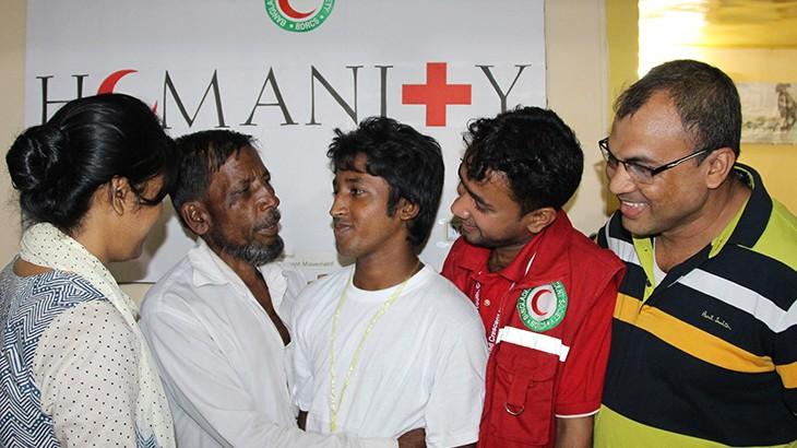 Bangladesh: Red Crescent reunites dispersed family members