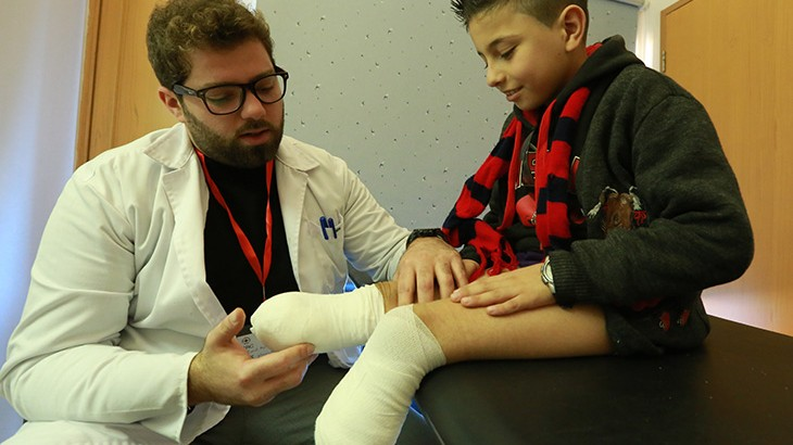黎巴嫩:叙利亚的儿童难民在红十字国际委员会的医院接受治疗