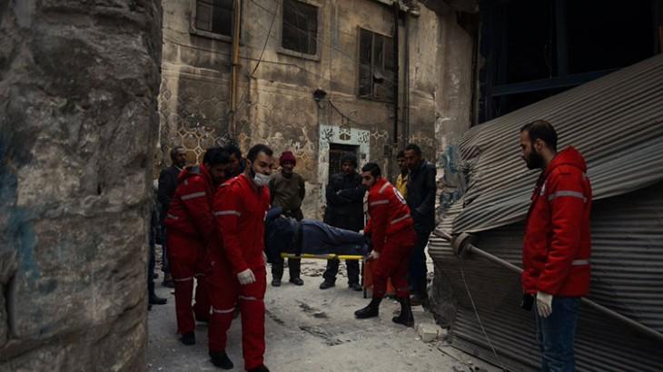 叙利亚红新月会与红十字国际委员会从阿勒颇前线疏散150名平民