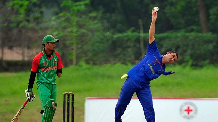 Bangladesh: Braving physical disabilities through cricket