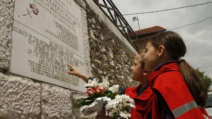 波黑:献身人道事业的25年
