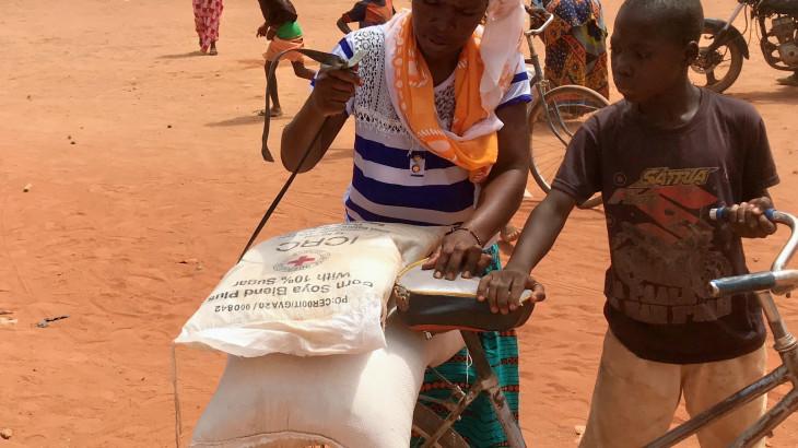 Burkina Faso : 60 000 déplacés reçoivent une assistance du CICR