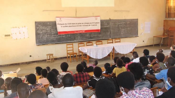 Burundi : le CICR partage ses pratiques dans la prise en charge psychologique des victimes des violences