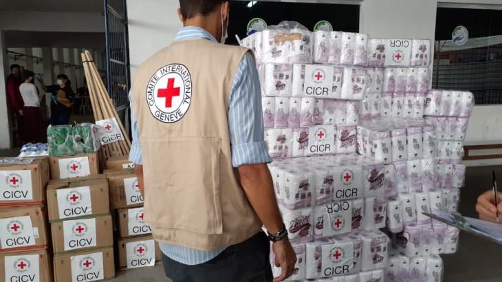 COVID-19: CICV doa produtos de higiene em Manaus
