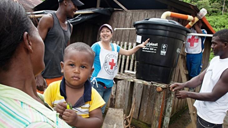 """كولومبيا: """"عمَّت الاحتفالات أرجاء القرية عندما وصلت خزانات المياه"""""""