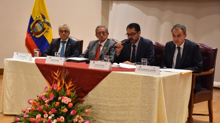 """Ecuador: concurrido 10.° curso """"Mariscal Antonio José de Sucre"""" fue organizado por comisión de DIH"""